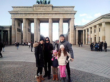 Família Rodrigo Faro, Brasil, em Berlim, 02/02/2018
